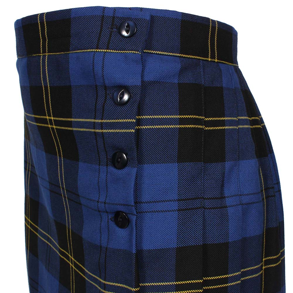 Kilt with four buttons